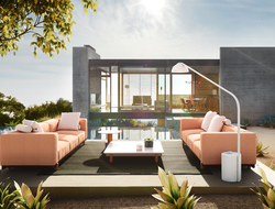Manufactured in aluminum, teak, concrete and terrain fabrics, the collection is composed of sofas, a deck chair and a center table.