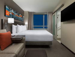 Hyatt Place New York City/Times Square opened.