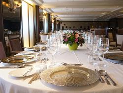 Windstar AmphorA restaurant
