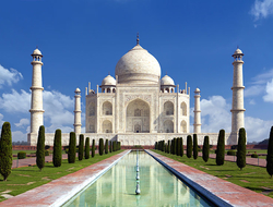Taj mahal on a bright day in Agra, India