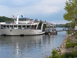 AmaMagna River Ship