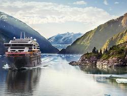 Hurtigruten Roald Amundsen