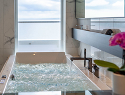 The bathtub in the Scenic Eclipse Spa Suite
