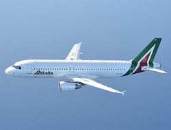 Alitalia A320 flying