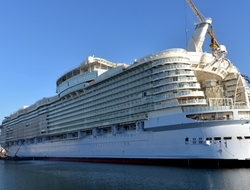 Royal Caribbean ship (RC)