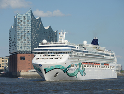 Norwegian Jade positioned in Hamburg Germany