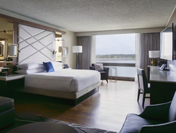 Kansas City Airport Marriott unveils redesign by Paradigm Design Group.