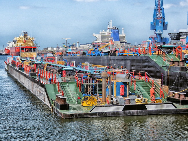 At ports such as Rotterdam (Netherlands), sensors are helping to create smart industrial terminals