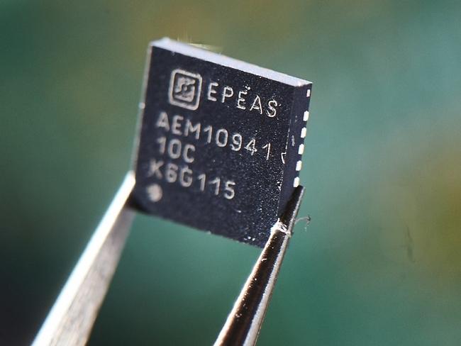 e-peas power management ICs (PMICs), AEM10941 devices for photovoltaic energy harvesting