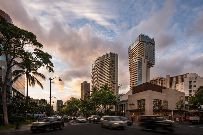 The resort's new 245-residence Diamond Head Tower is positioned alongside the existing 307-residence 'Ewa Tower.
