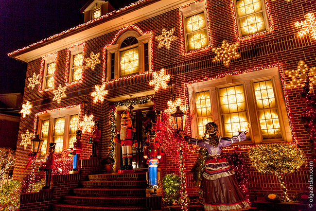 Slice of Brooklyn Holiday Lights Tour