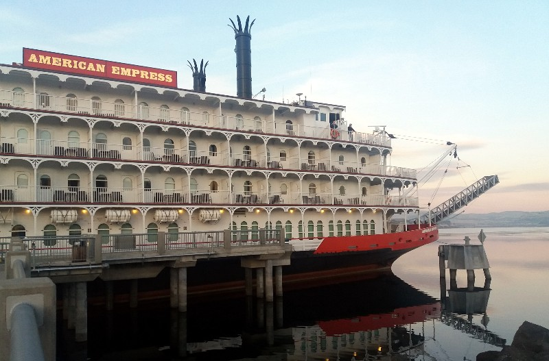 Paddle Wheel Riverboat Mississippi River Cruise Boat Charm for European Bracelet
